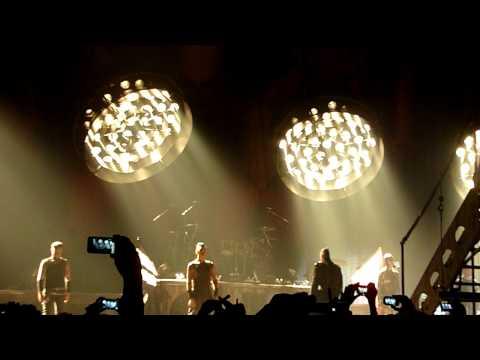 """Rammstein -""""Intro"""" & """"Sonne"""" Wiener Stadthalle 2011-11-23 HD"""