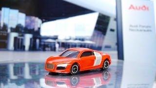 トミカ アウディR8 特別カラー in ネッカーズルム工場 TOMICA AUDI R8