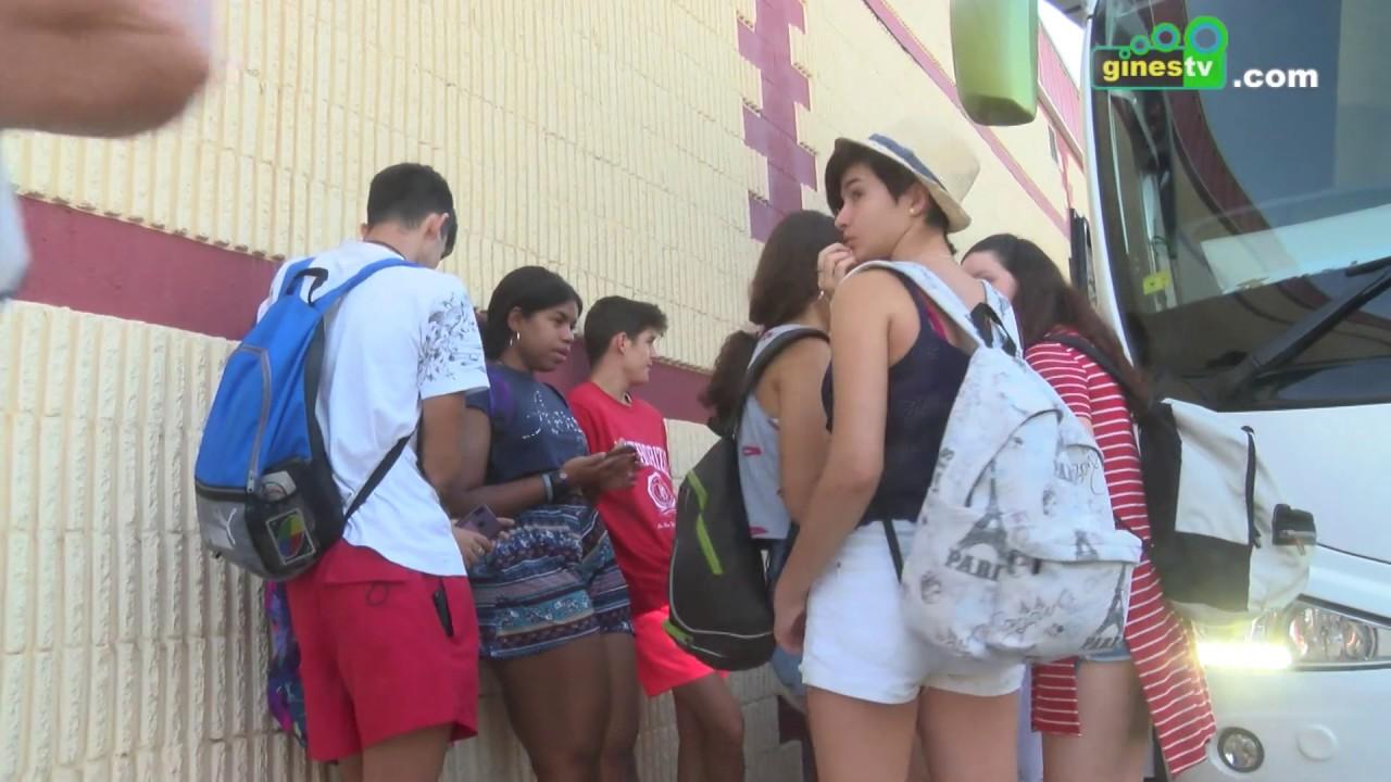 Más de 100 vecinos y vecinas disfrutan de 'Los jueves al sol' en Islantilla (Huelva)