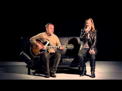 Beispiel: Hallelujah (Leonard Cohen / Jeff Buckley Cover by Pieces of You), Video: Rafaela Kloubert.