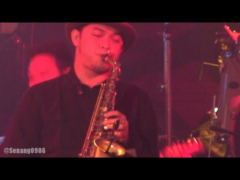 Tompi - Menghujam Jantungku @ Stage Empire [HD]