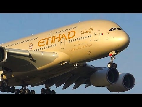 AWESOME 30+ Minutes of Plane Spotting at Melbourne Airport ● December 2016 Highlights!
