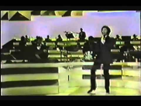 "Tom Jones sings ""Vehicle"" - Live 1970"