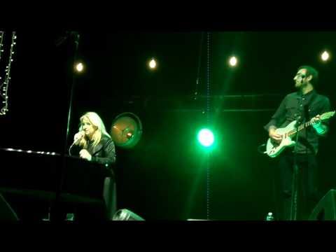 Karen Zoid doing Linkin Park's