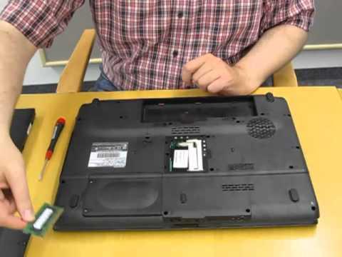 Toshiba Série L350: Remplacement d\'un module mémoire - YouTube