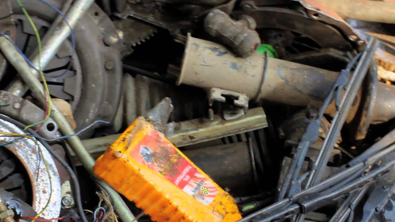 Muni - Old Delhi - \'Used Car Parts\' - YouTube