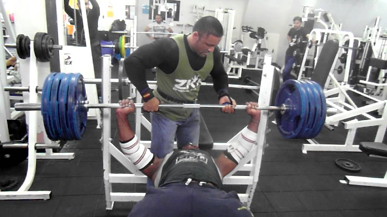 Nabil Athman Training Mr.T the NAZLAB TRAINING SYSTEM @RAW ...