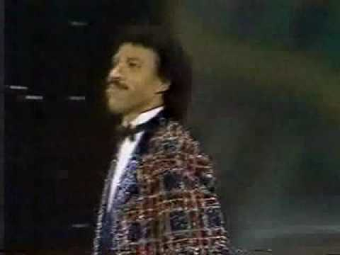Lionel Richie American Music Awards- Outrageous