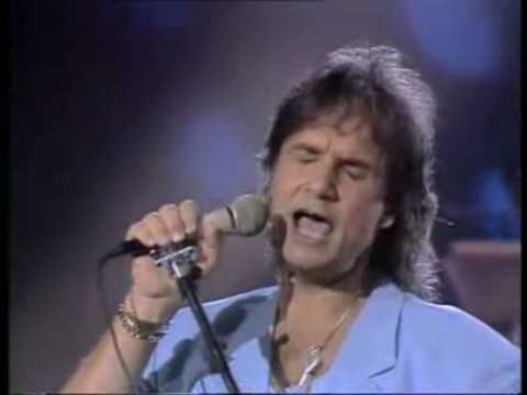Roberto Carlos canta en Italiano Amico