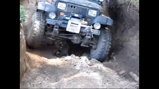 Jeep YJ Off-Roading in Hollister Hills Creekbeds and White Rock Hill
