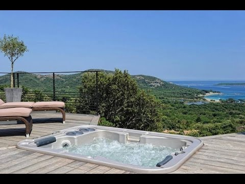location vacances villa porto vecchio piscine privee jacuzzi vue panoramique sur la mer en corse. Black Bedroom Furniture Sets. Home Design Ideas