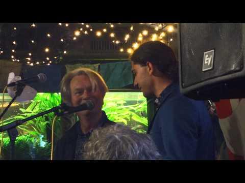 Yahya Hassan takker Hans Krull for årets Krulturpris 2015