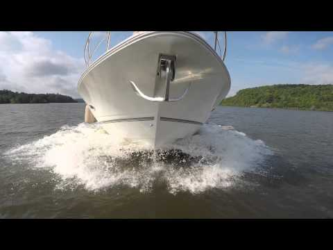 Express Cruiser / Cruiser Yacht 460 2008 Champlain Lake VT on July 2015