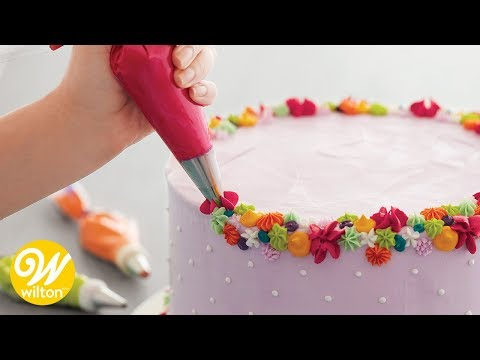 Left-Handed Cake and Cupcake Decorating | Wilton