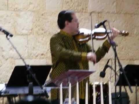 Guest Artist Maurice Sklar at Paul Wilbur Concert Amazing Violin Video 2