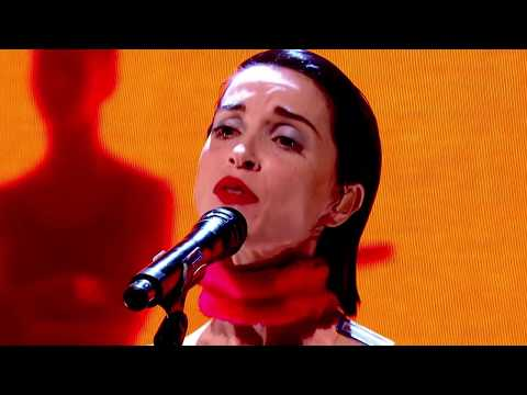 St. Vincent - Los Ageless (live at The Graham Norton Show)