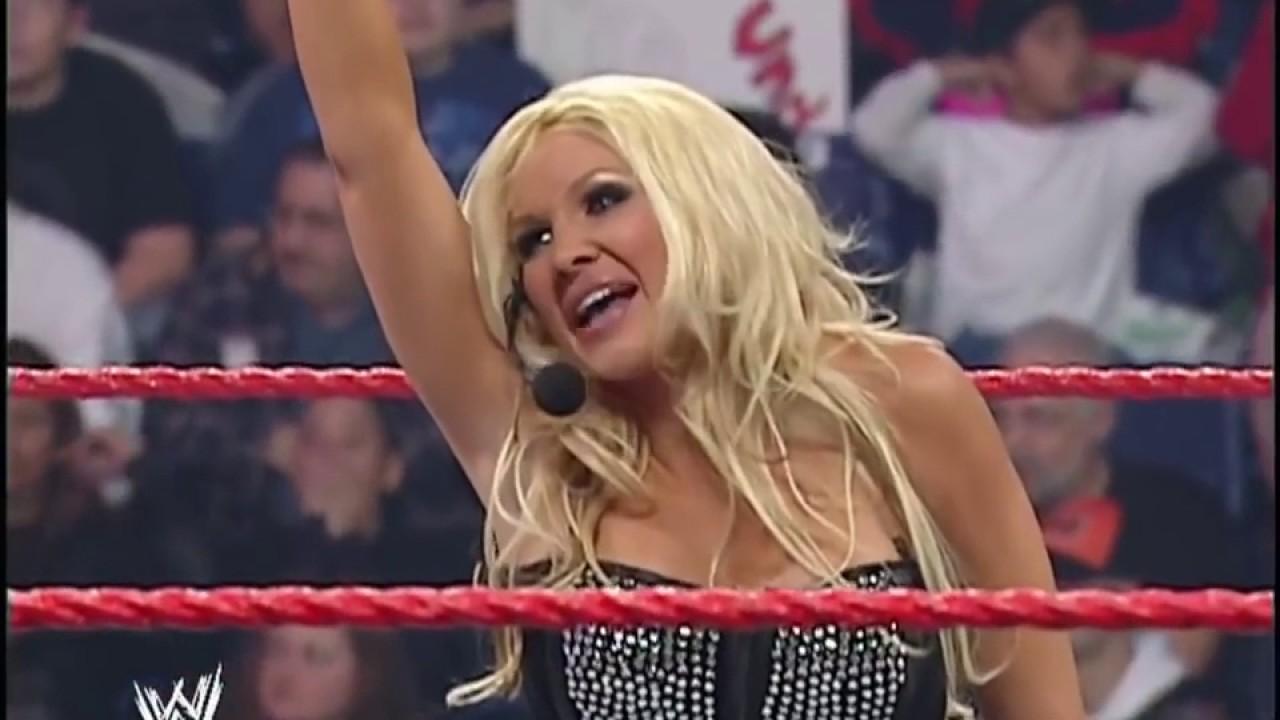 WWE Monday Night RAW 15th Anniversary: Trish Stratus and Lita Make Their  Returns