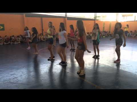 Dança Colégio Quintanilha