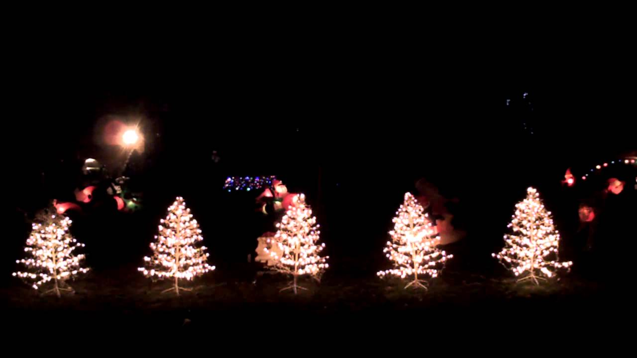angry birds 2012 christmas light show lor