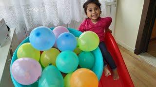 Ayşe Ebrar Bernyanyi FİNGER FAMİLY SONG Belajar Warna Dengan Balon & Meletuskanya