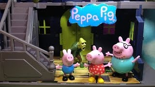 PEPPA PIG Nickelodeon Peppa Pig Spooky Haunted Mansion Peppa Parody