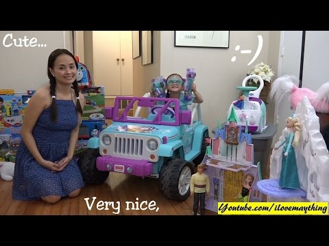 A Lot of Disney Frozen Accessories, Toys, Dolls and Stuff! Playtime with Maya