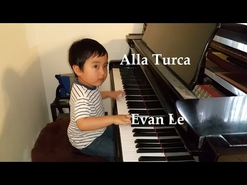 Child Prodigy Pianist Evan Le Plays Alla Turca (May 16, 2015)