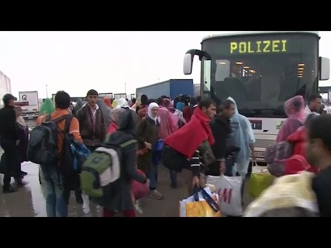 Growing flood of refugees arrive in Western Europe