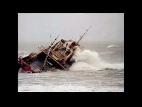 Barco fantasma en Mar del Plata