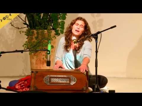 Jaya Ma  chanted by Kavita