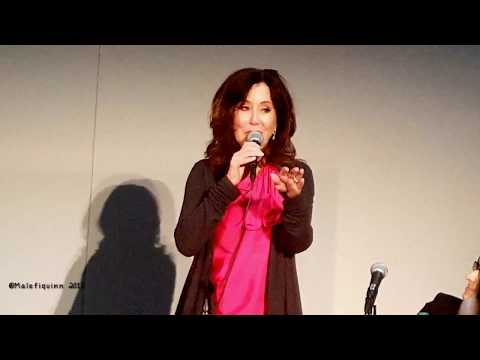 Mary McDonnell tells the 'saluted at the airport' story