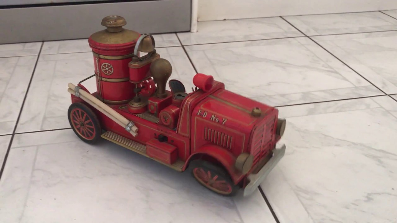 Modern Toys An Battery Op Old Fashioned Fire Engine Truck F D No 7 Tin
