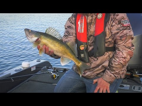 SD Shallow Crankin' Walleyes - In-Depth Outdoors TV Season 11 Episode 20