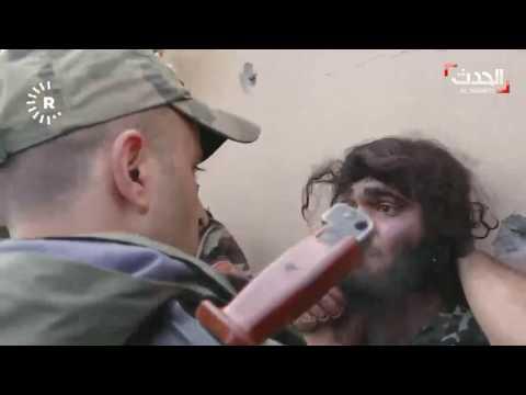 لحظات إلقاء القبض على داعشي في بعشيقة #الموصل