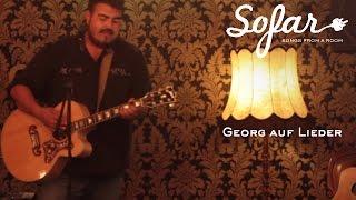 Georg auf Lieder - Pinke Strähnen | Sofar Cologne