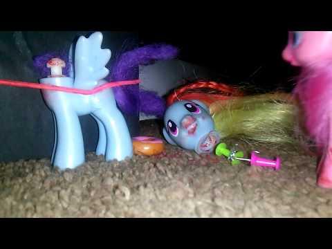 Pinkie Pie's evil secret (1)