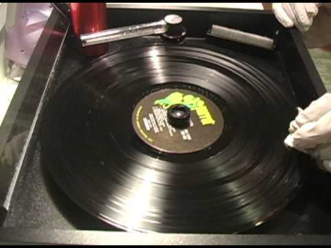 How To Clean Moldy Oldy Records