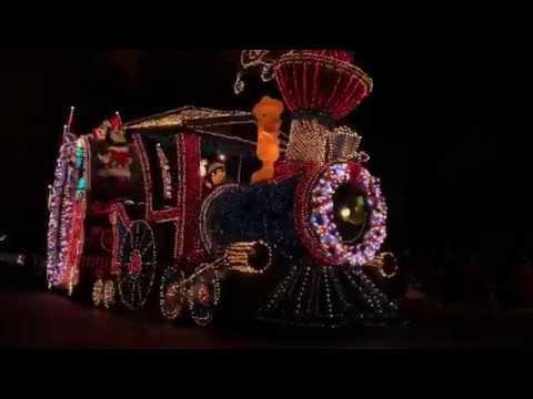 Tokyo Disneyland Christmas Night Parades - Complete Part 1