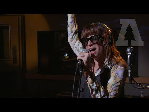 Nicole Atkins - Darkness Falls So Quiet - Audiotree Live (1 of 6)