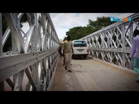 Isku fillaansho: Reer Afgooye - Self Reliance: Afgoye Residents rebuild bridge