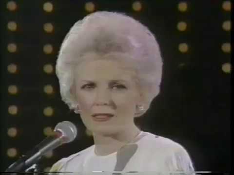 Helen O'Connell, 1983 TV Medley, All of Me, Jim, Star Eyes, Tangerine