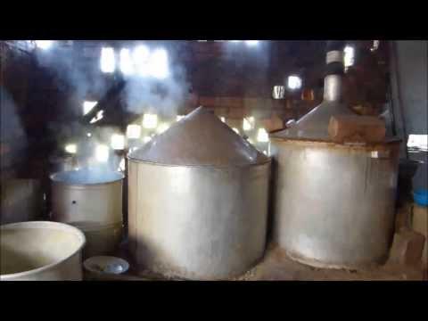 Globe Dreamers : Préparation de l'alcool de riz (Da Lat - Vietnam)