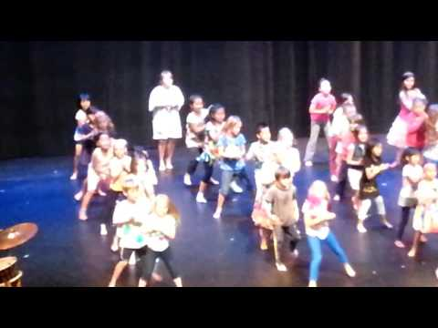 Makayla Arts club performance to Waka Waka This Time for Africa Shakira