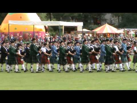 Abernethy Highland Games 2010 Massed Pipe Bands