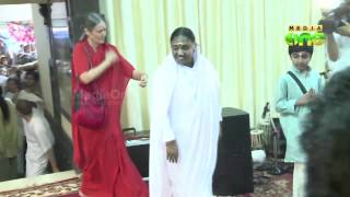 Mata Amritanandamayi Mutt on wrong foot, Tredwell accuses Mutt of creating fake FB page in her name