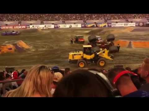Monster Jam Gillette Stadium 2016 Freestyle Competition Part 1