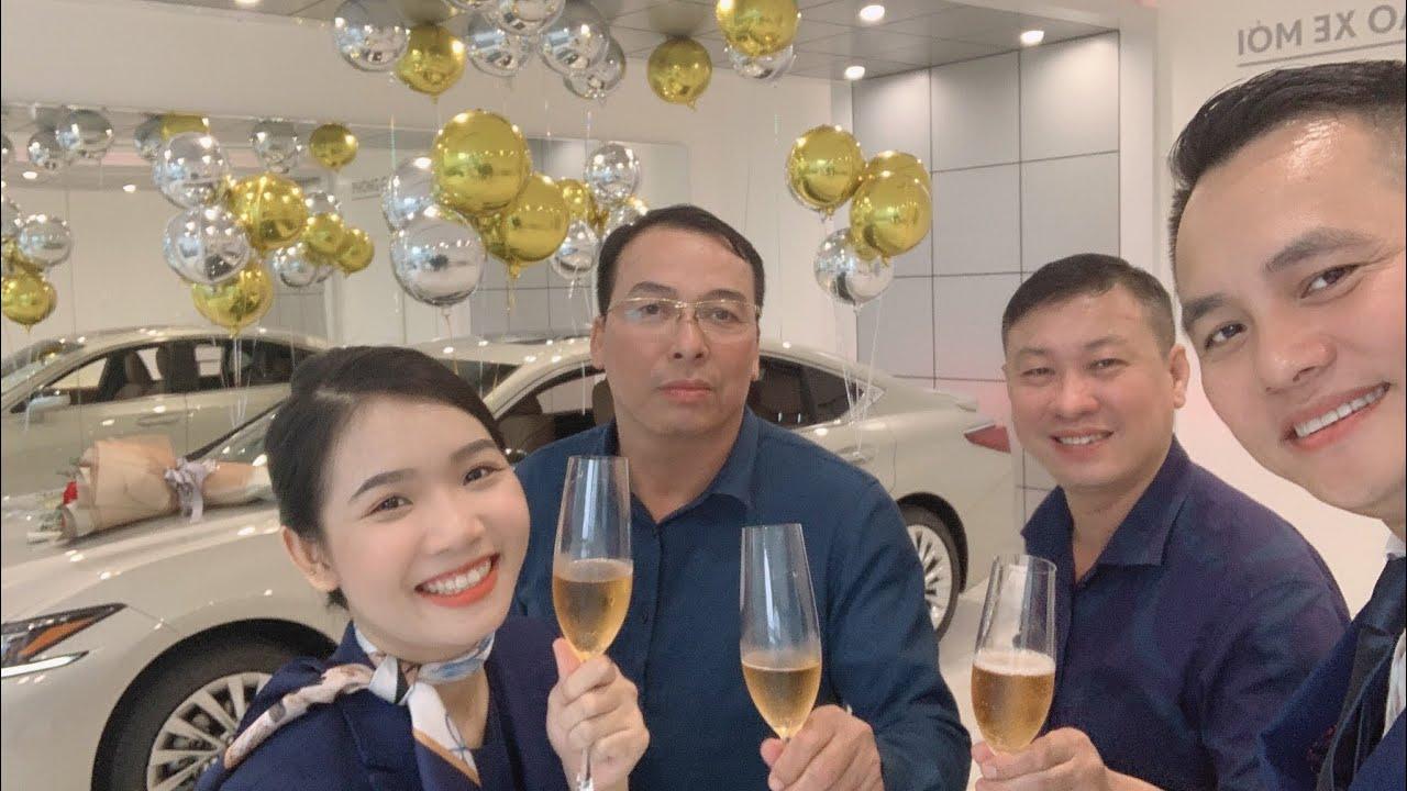Bàn giao xe Lexus Es300h tại Lexus Thắng Long ! Chiếc Lexus Es300h 2021 đầu tiên về Bắc Giang