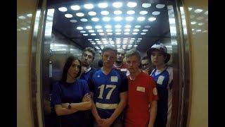 Футбольный розыгрыш в лифте бизнес-центра