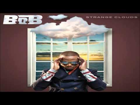 B.o.B Feat. Trey Songz - Castles (CDQ)