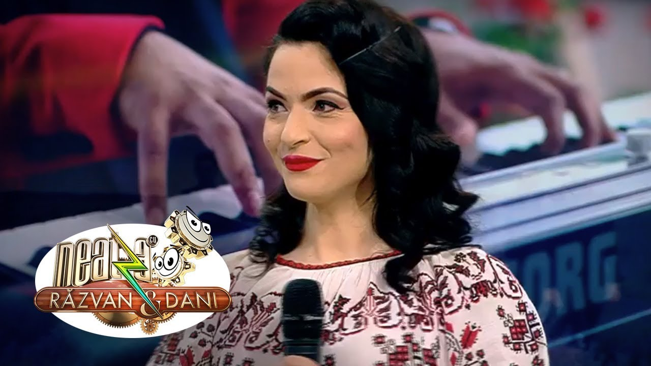 Raluca Burcea, sora mai mare a lui Theo Rose, este solista formației Dodo band